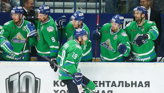 Стриптиз на льду и смех Назарова. Фоторепортаж с матча «Салават Юлаев» – «Нефтехимик»