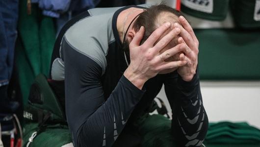 Поникший Захарчук, голый торс Мусина и довольный Мозякин. Фоторепортаж с матча «Ак Барс» – «Магнитка»