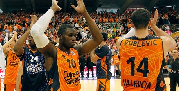 romain-sato-valencia-basket-celebrates-finals-ec-valencia-2014-ec13.jpg