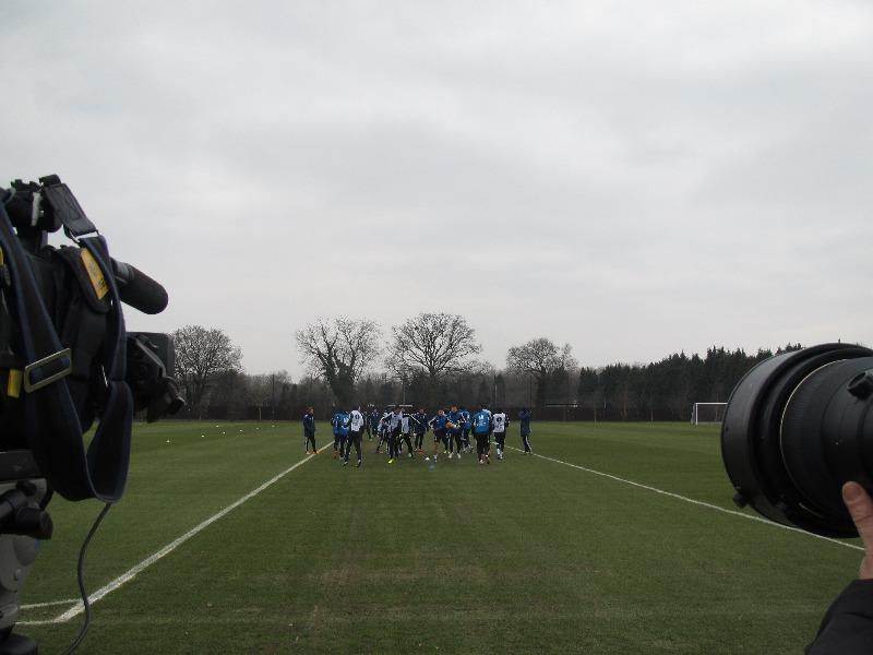 Тренировка Челси на базе в Кобхэме.JPG