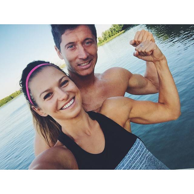 Роберт левандовски с девушкой фото