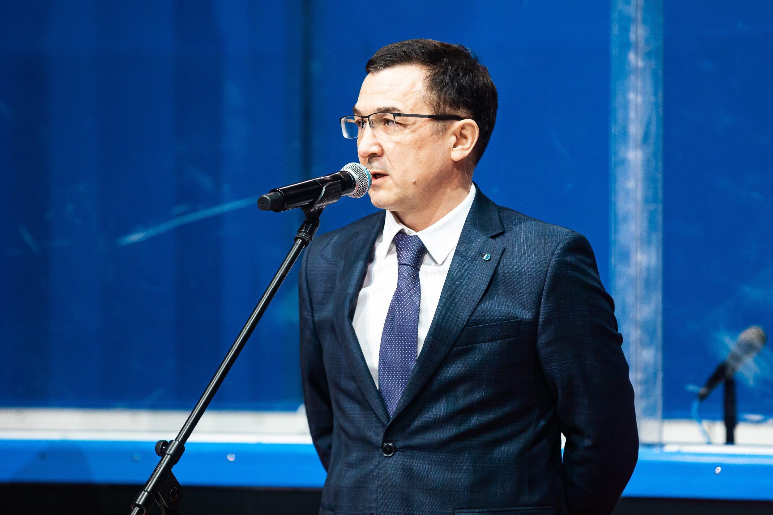 https://img-sport.business-gazeta.ru/images/cb/7bcc-724877f7b7ceaec4a4b8f44468cbf9c6.jpg