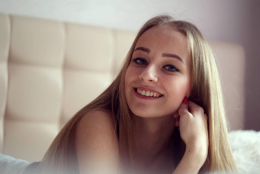 Девушку дня фото